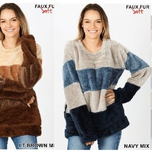PLUS NAVY FAUX FUR PULLOVER SWEATER TOP W/ POCKETS